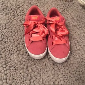 Suede heart puma sneakers